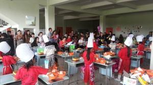 Judging Cake Competition di Harapan Bangsa